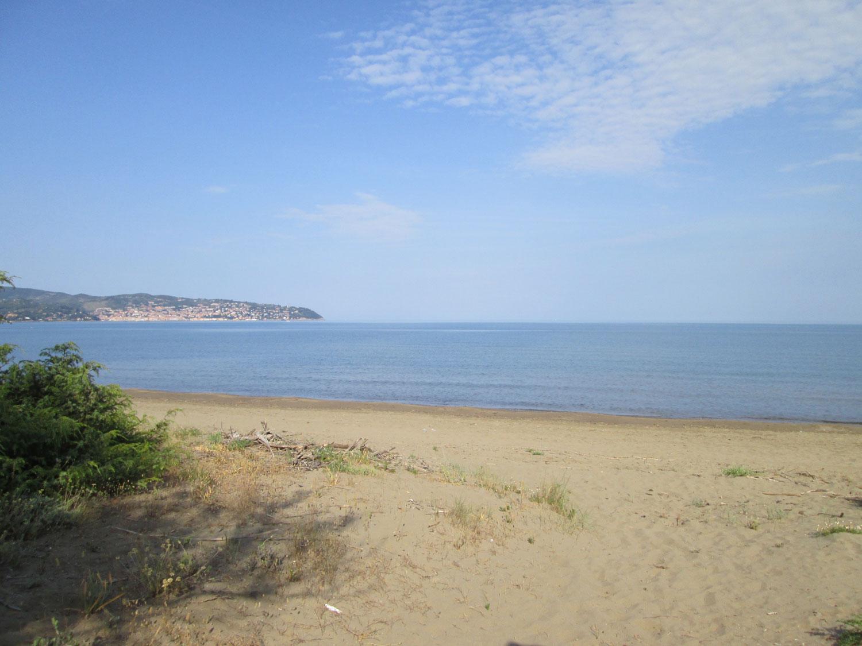 Spiaggia davanti al casale